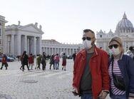 Κορωνοϊός - Τεστ για το προσωπικό και μάσκες για τους μαθητές ετοιμάζει η Ιταλία