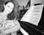 Ελίνα Μαυρίδη: Από τo... Καζακστάν στην Πάτρα, με 'ταυτότητα' τη μουσική!