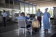 Χιλιάδες άνθρωποι μπαίνουν χωρίς τεστ για κορωνοϊό από την Κακαβιά