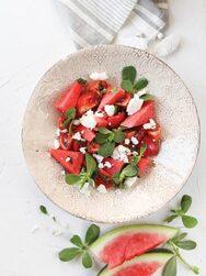 Καλοκαιρινή σαλάτα με καρπούζι, φέτα και γλιστρίδα