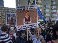 Προς αποχώρηση από σύμβαση για τη βία κατά των γυναικών η Πολωνία