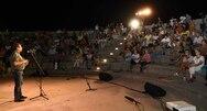 Πάτρα - Καταχειροκροτήθηκε από τους δημότες της Κρήνης η παράσταση «Η άλλη όψη» (φωτο)