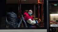 Η Δανία συστήνει πλέον τη χρήση μάσκας στα ΜΜΜ