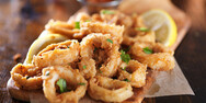 Φτιάξτε τραγανά, τηγανητά καλαμαράκια