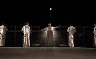Το κενό ενός μεγάλου υπαίθριου θεάτρου 'κόβει' τις ακριβές παραγωγές από την Πάτρα