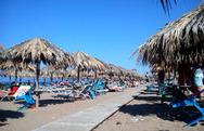 Δύσκολες καταστάσεις για τα παραλιακά μαγαζιά και τα beach bars της Αχαΐας