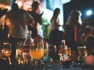 Κορωνοϊός: Κλείνουν μπαρ-εστιατόρια από τα μεσάνυχτα σε Μύκονο, Πάρο, Χαλκιδική και άλλες επτά περιοχές