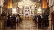 Πάτρα: Ελάχιστοι πιστοί στις εκκλησίες με προστατευτικά μέτρα!