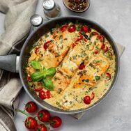 Συνταγή για βουτυράτο σολομό, βουτηγμένο σε λαχταριστή κρέμα