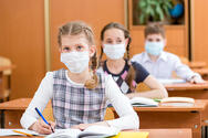 ΚΕΔΕ: Κανένας μαθητής δεν θα μείνει χωρίς μάσκα στο σχολείο