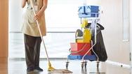 Πάτρα: Βλέπουν «κενά» στις σχολικές καθαρίστριες εν μέσω πανδημίας