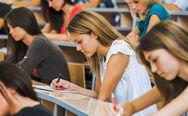 Πανελλαδικές Εξετάσεις 2020: Στα φοιτητικά έδρανα παιδιά βουλευτών