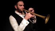 Πάτρα - Ένα μουσικό 'πάντρεμα' με ηχητικά μοτίβα της Μακεδονίας, Βαλκανίων και Ανατολής