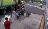 Απορριμματοφόρο ξηλώνει κατά λάθος παγκάκι και εκσφενδονίζει γυναίκα στον αέρα (video)