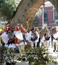 Παράσταση από πενήντα και πλέον χορευτές, με εντυπωσιακές φορεσιές, στην Achaia Clauss!