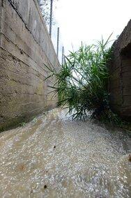 Πάτρα: Άμεση επέμβαση της Πολιτικής Προστασίας και των εργαζομένων του Δήμου στα Αραχωβίτικα (φωτο)