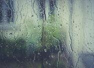 Χαλαρώνοντας στον ήχο της βροχής (video)