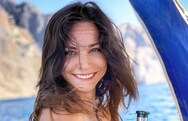 Κατερίνα Γερονικολού: Ποζάρει σε σκάφος στο φακό του Γιάννη Τσιμιτσέλη