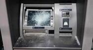 Πάτρα: Έσπασαν ΑΤΜ τράπεζας - Πέταξαν μπογιές σε κτίριο