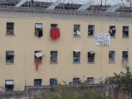 Κρατούμενοι στον Κορυδαλλό κρέμασαν πανό - «Δεν είναι αθώοι»