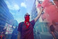 Δίκη Χρυσής Αυγής: Καπνογόνα και πανηγυρισμοί σε Θεσσαλονίκη και Κρήτη (video)
