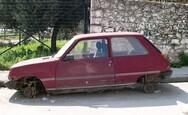 Πάνω από 2.300 εγκαταλελειμμένα οχήματα και μηχανές απομακρύνθηκαν από την Αθήνα