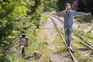 «Στον Ίσκιο» της μουσικής του Απόστολου Γουγουλάκη «ξαποσταίνεις»! (video)