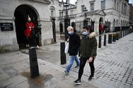Κορωνοϊός: Σχεδόν 17.000 νέα κρούσματα στη Βρετανία