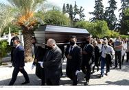 Θλίψη στην κηδεία του Κώστα Μπατή