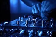 Ψυχραιμία μετά την είδηση για τα επιβεβαιωμένα κρούσματα σε club της Πάτρας