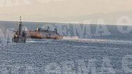 Πειραιάς: Σύγκρουση επιβατικού πλοίου με πλοίο του Πολεμικού Ναυτικού (φωτο)
