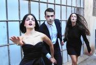 'Δεν είμαστε κουραμπιέδες' στο Δημοτικό Θέατρο Απόλλων