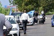 Μπλόκο της ΕΛ.ΑΣ. σε μηχανοκίνητη πορεία με ελληνικές σημαίες, στον Πύργο (video)