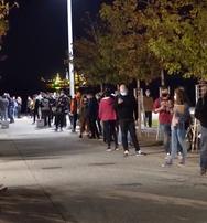 Θεσσαλονίκη: Ένταση με πολίτες όταν ο ΕΟΔΥ σταμάτησε νωρίτερα τα τεστ κορωνοϊού (video)