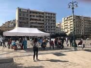 Πάτρα: Κόσμος και σήμερα στην πλατεία Γεωργίου για τα rapid test (φωτό)
