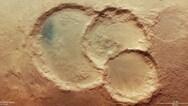 Σπάνιος τριπλός κρατήρας στον Άρη