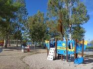 Πάτρα - Ακόμα 16 παιδικές χαρές ανακατασκευάστηκαν από τον δήμο (φωτο)