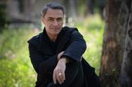 Ο Θανάσης Κουρλαμπάς μιλά για τις απώλειες που τον σημάδεψαν - «Άνοιξε η γη κάτω από τα πόδια μου»