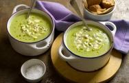 Ετοιμάστε κρεμώδη σούπα με μπρόκολο
