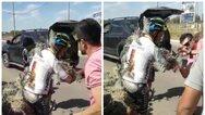 Αργεντινή: Το απίστευτο ατύχημα ποδηλάτη (video)