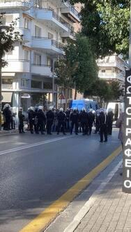 Ισχυρές δυνάμεις της ΕΛ.ΑΣ. στο κέντρο της Πάτρας (φωτο)