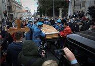 Σερβία: Χαμός στο λαϊκό προσκύνημα του Πατριάρχη Ειρηναίου