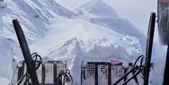 Εκχιονιστικό ανοίγει ορεινό δρόμο στην Αυστρία μετά από σφοδρή χιονόπτωση