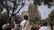 Κατά 87% μειώθηκαν οι τουρίστες τον Οκτώβριο στην Ισπανία