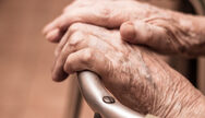 Κορωνοϊός: Το σύμπτωμα που εκδηλώνει το 28% των ηλικιωμένων