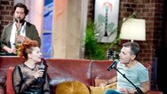Ο Μανώλης Φάμελλος και η Πέννυ Μπαλτατζή ανοίγουν το «Μουσικό κουτί» στην ΕΡΤ
