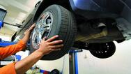 Ανοικτά τα συνεργεία και οι εκθέσεις αυτοκινήτων