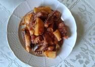 Χταπόδι με πατάτες γιαχνί