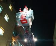 Πάτρα: Οι Αϊ Βασίληδες θα 'σκαρφαλώσουν' στα μπαλκόνια του νοσοκομείου Άγιος Ανδρέας
