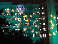 Εορταστική ατμόσφαιρα στο νοσοκομείο του Αγ. Ανδρέα - Αϊ Βασίληδες σκαρφάλωσαν στα μπαλκόνια (pics+video)